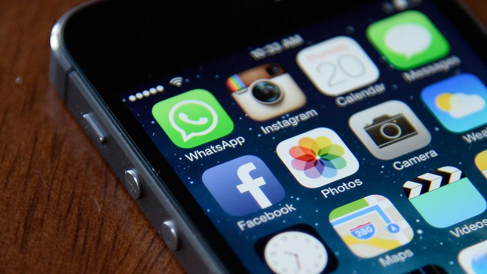 Aplicatia Whatsapp pentru iPhone