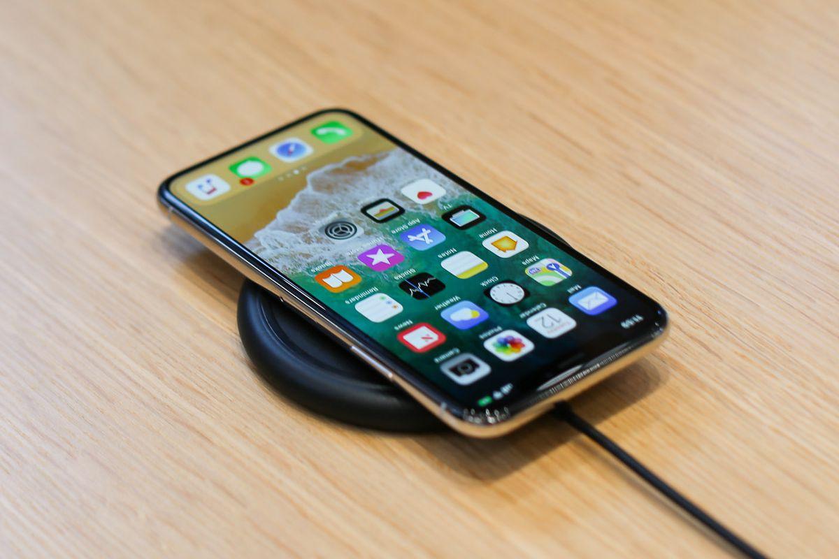 iPhone X – prețuri și controverse